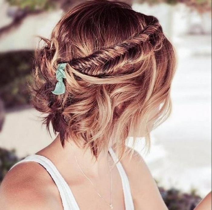acconciature-per-capelli-corti-donna-ragazza-molletta-tagli-estivi-bionde-more