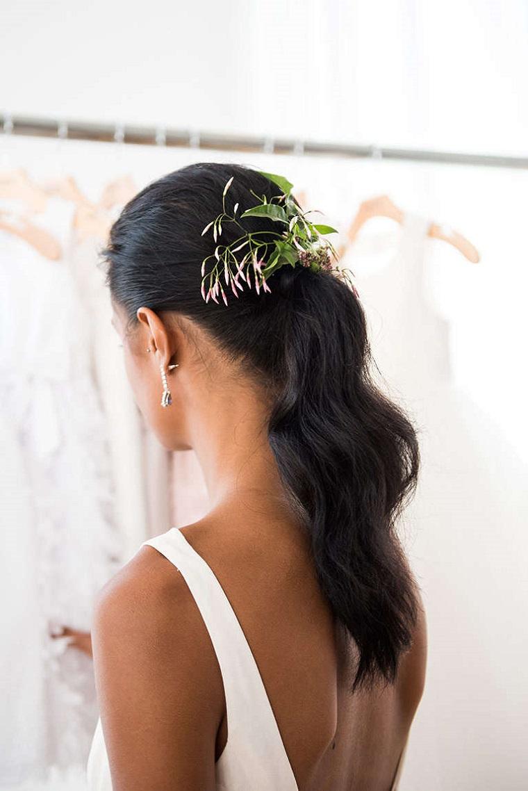 acconciature-sposa-proposta-fermaglio-fiori