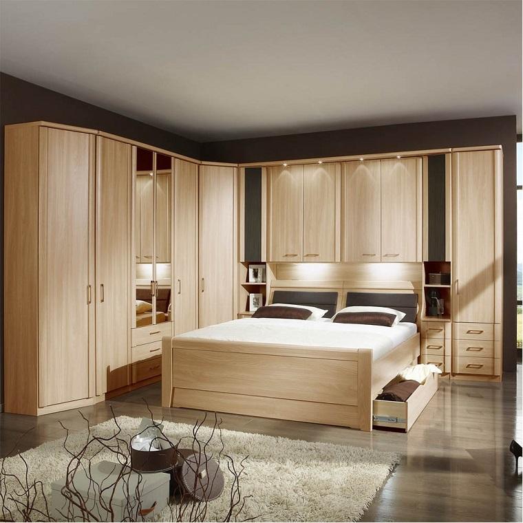 armadio-ad-angolo-legno-chiaro