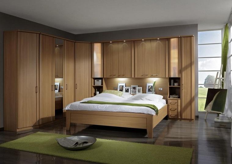 armadio-ad-angolo-legno-classico