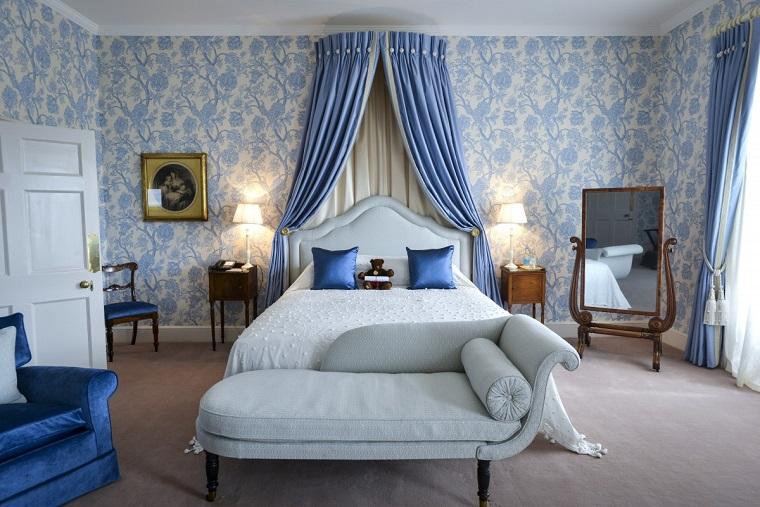 arredamento-stile-inglese-camera-blu