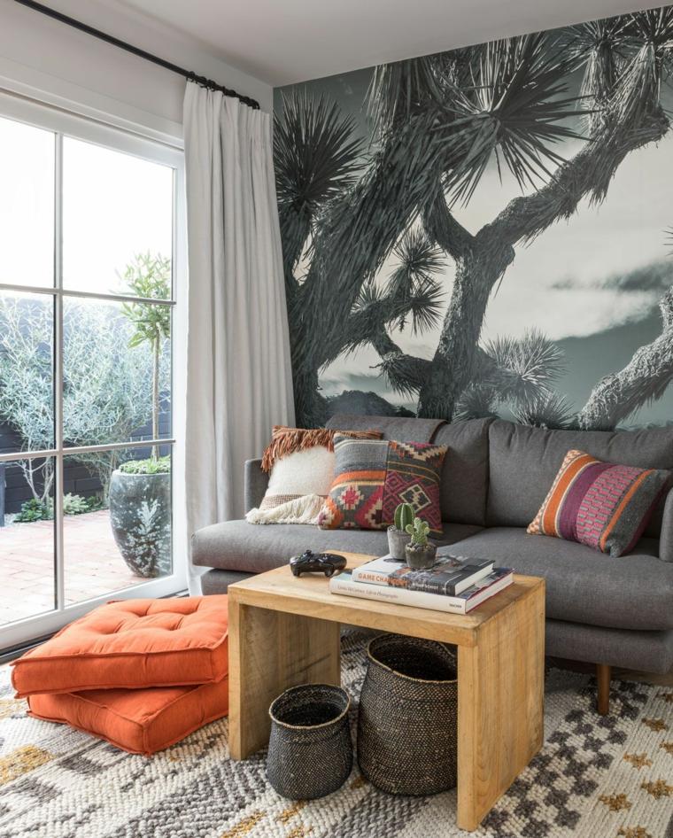 arredare cucina soggiorno 40 mq divano grigio tavolino legno cesti carta da parati tappeto cuscini