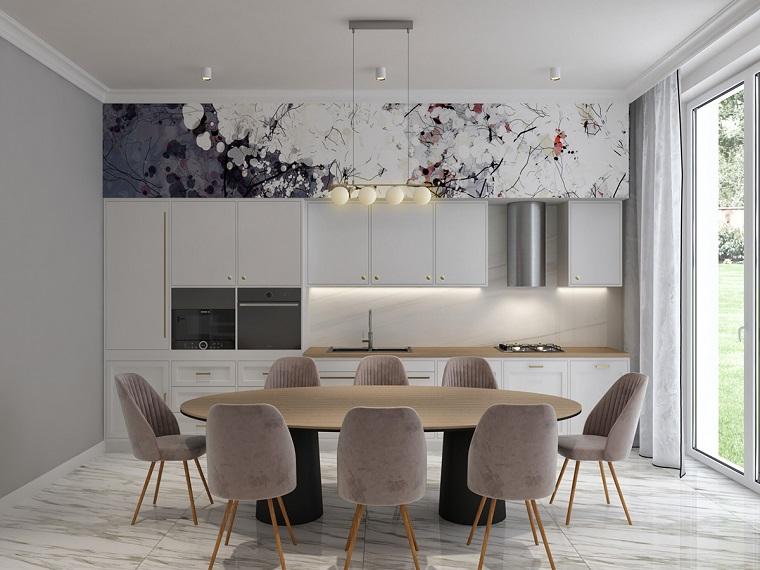 arredare cucina soggiorno 40 mq tavolo da pranzo sedie mobili lampadario parete grigia