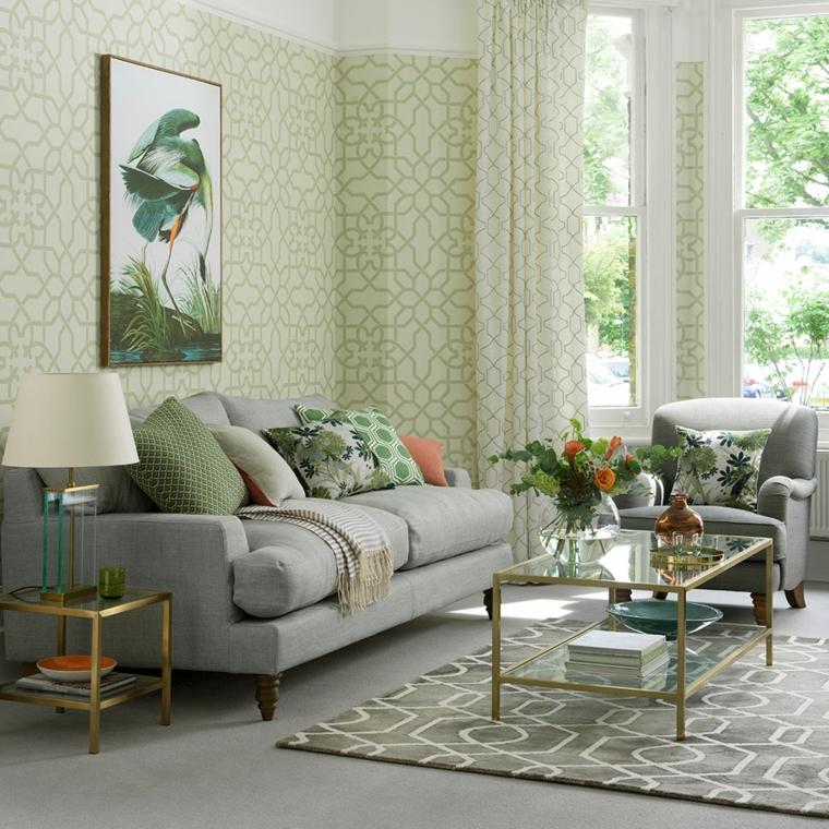arredare monolocale soggiorno divano grigio tavolino vetro carta da parati pareti vasi fiori
