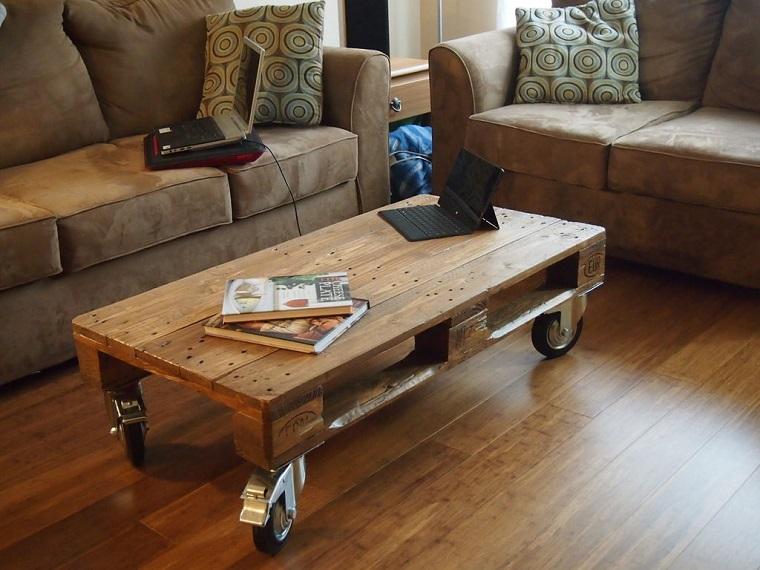 arredo-pallet-idea-tavolino-rotelle