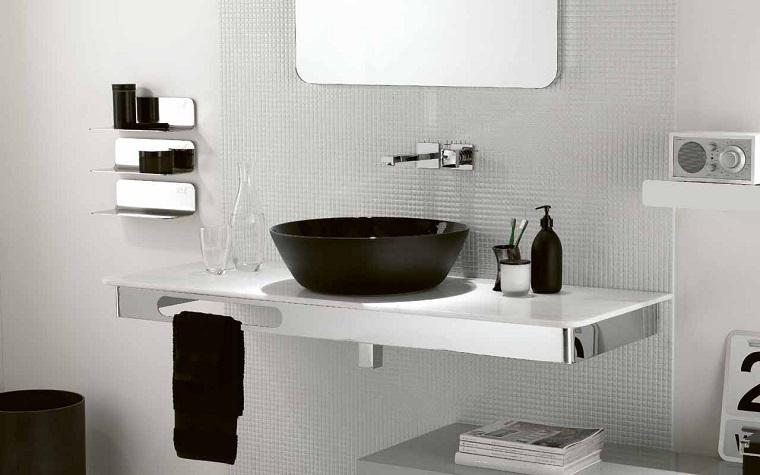 bagni-moderni-piccoli-vanity-sospeso-acciaio-inox