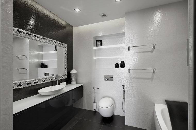bagno-bianco-e-nero-proposta-raffinata