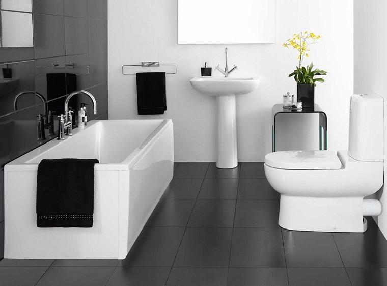 bagno-bianco-e-nero-proposta-sobria