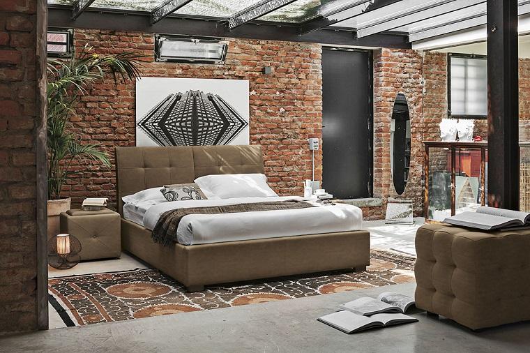 camera-da-letto-moderna-parete-mattoni
