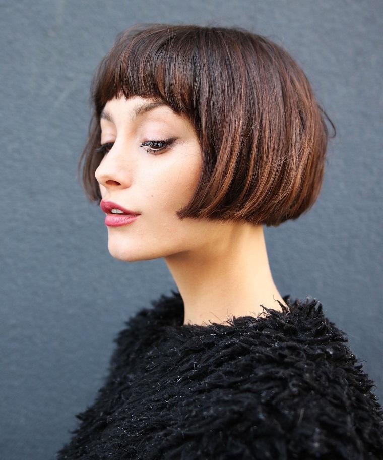 capelli-corti-idea-caschetto-frangia