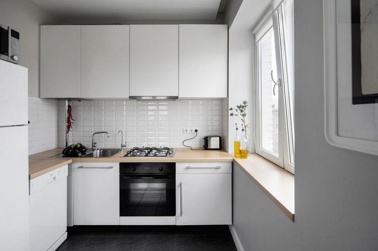 cucina-angolare-idea-spazi-ridotti