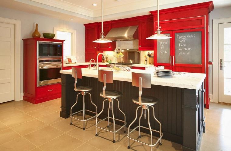 cucina-rossa-idea-isola-nera