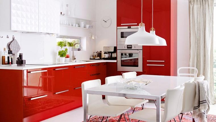 Cucine rosse: dieci idee che vanno oltre la tentazione! - Archzine.it