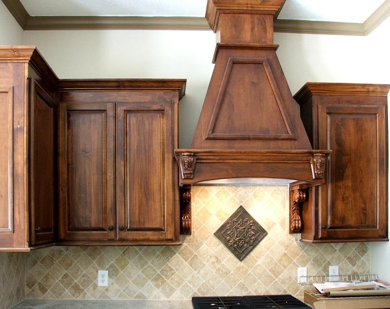 cucina-rustica-focus-pensili-legno