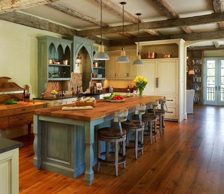 cucina-rustica-grande-isola-sgabelli