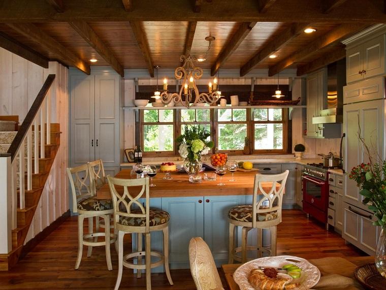 cucina-rustica-idea-lampadario-candelabro
