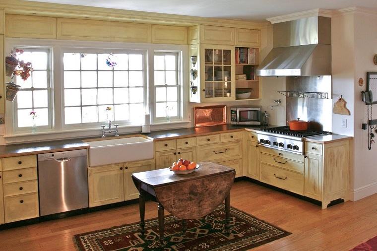 cucina-rustica-idea-mobili-legno-chiaro-l