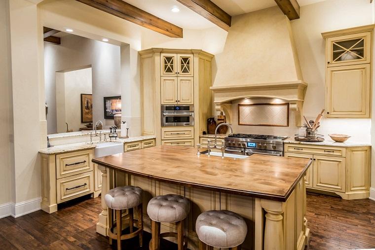 cucina-rustica-legno-toni-chiari