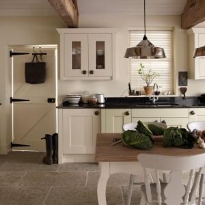 Cucine stile inglese: atmosfere calde, tanto legno e cura dei ...