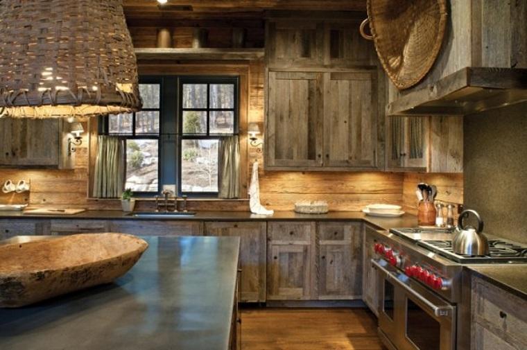 Cucine rustiche, legno e pietra: tutta l\'accoglienza del focolare ...
