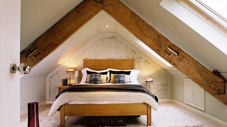 idee mansarda-idea-camera-letto-legno