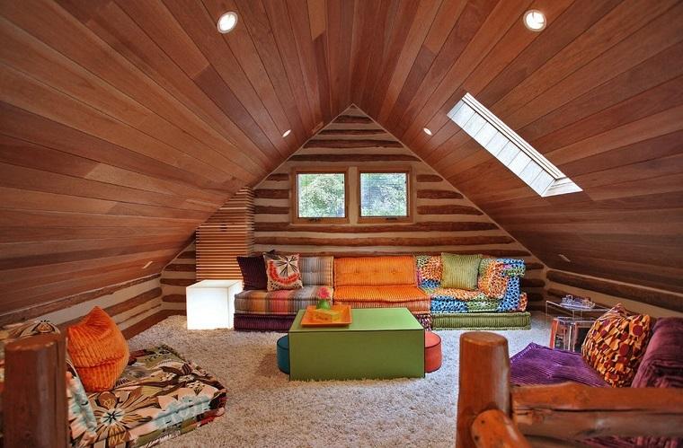 idee mansarda-stile-etnico-legno-protagonista