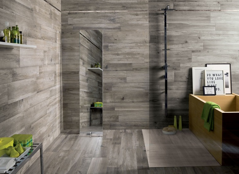 legno-per-pareti-grigio-bagno