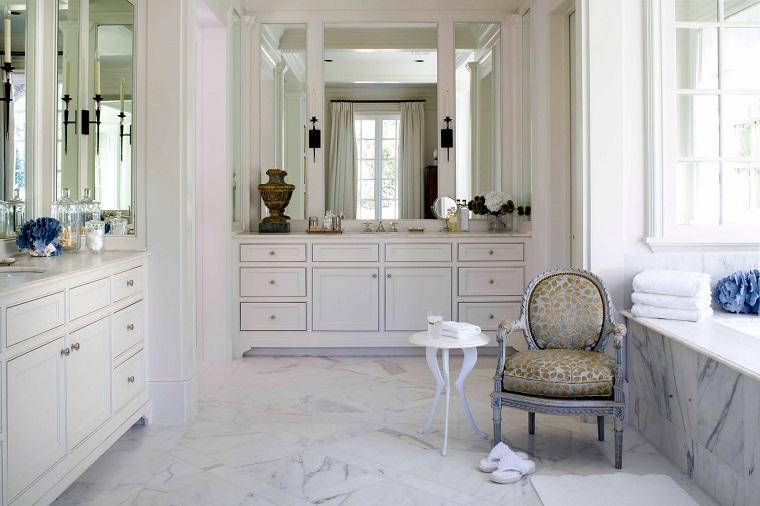 mobili-bianchi-bagno-stile-elegante