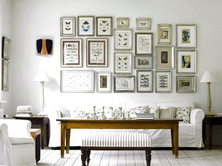 mobili shabby-soluzione-salotto-parete-quadri