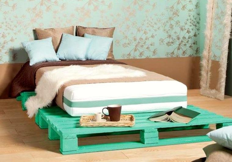 pallet design-letto-colorato-verde