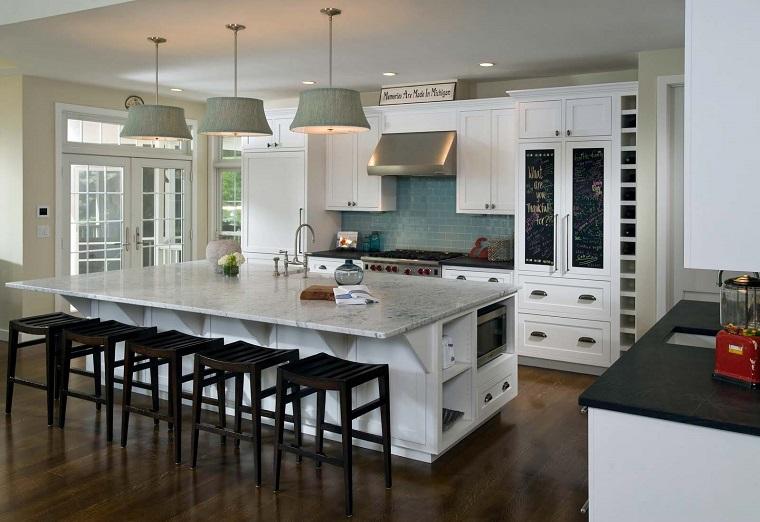 pavimenti cucina-mobili-bianchi-parquet