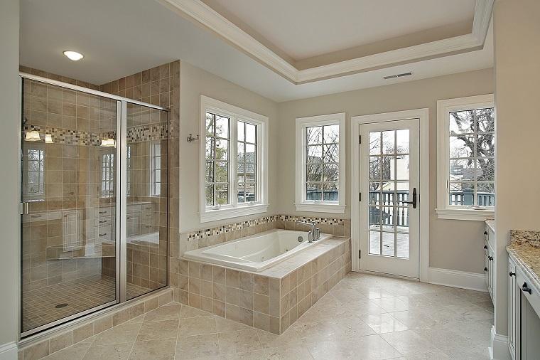 piastrelle bagno moderno-beige-dettagli-mosaico