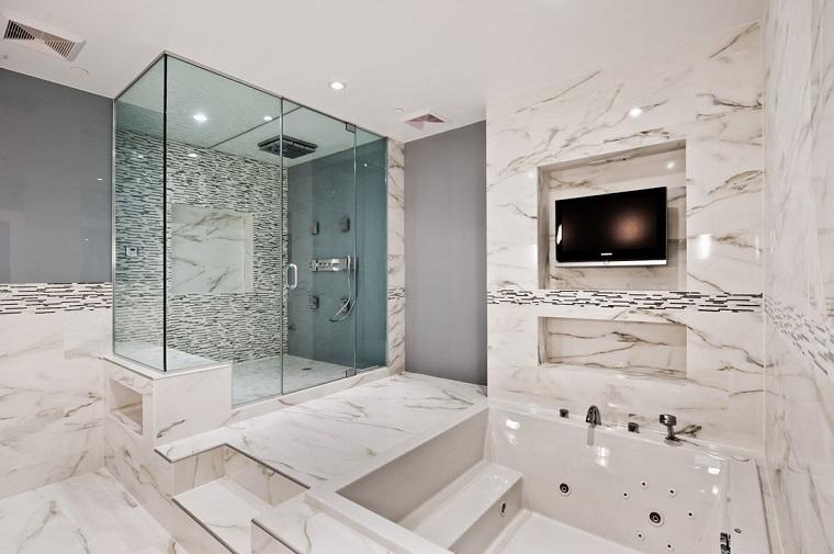 Piastrelle bagno moderno: tantissime idee per scegliere il