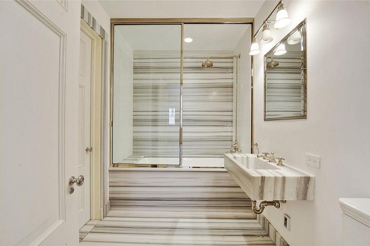 piastrelle bagno moderno-marmo-venature