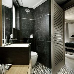 Vasche da bagno con doccia una soluzione all inclusive - Piastrelle bagni moderni 2017 ...