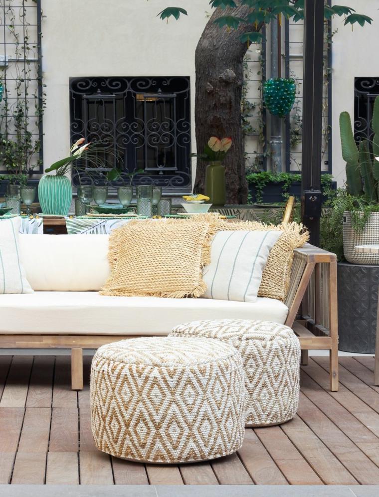 progetto giardino rettangolare arredo con divano pavimento in legno
