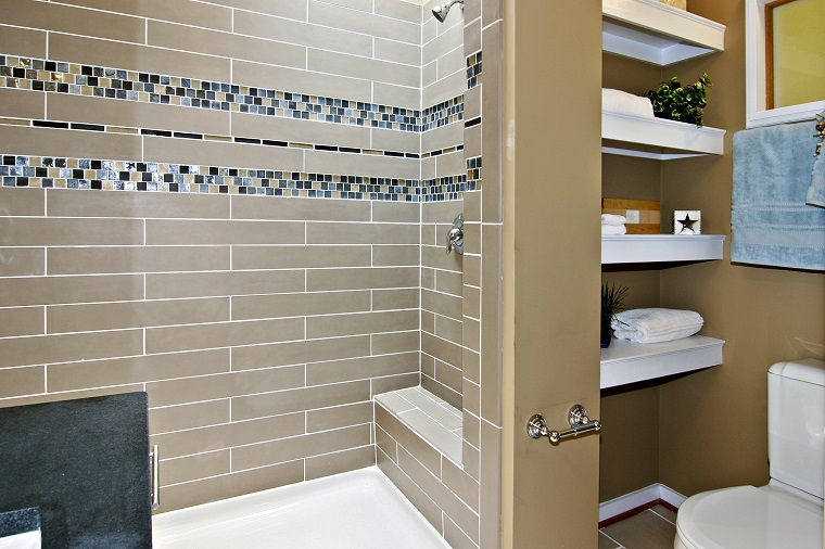 rivestimenti-bagni-moderni-dettaglio-mosaico