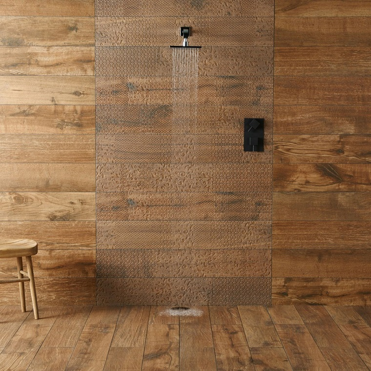 Piastrelle bagno moderno tantissime idee per scegliere il rivestimento ad hoc - Bagno effetto legno ...