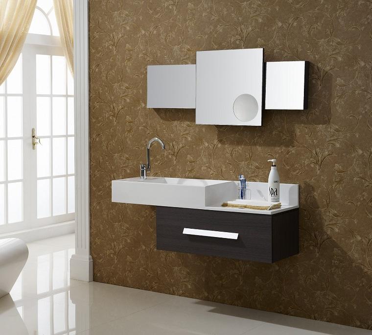 rivestimento-bagno-moderno-marrone-decorazioni