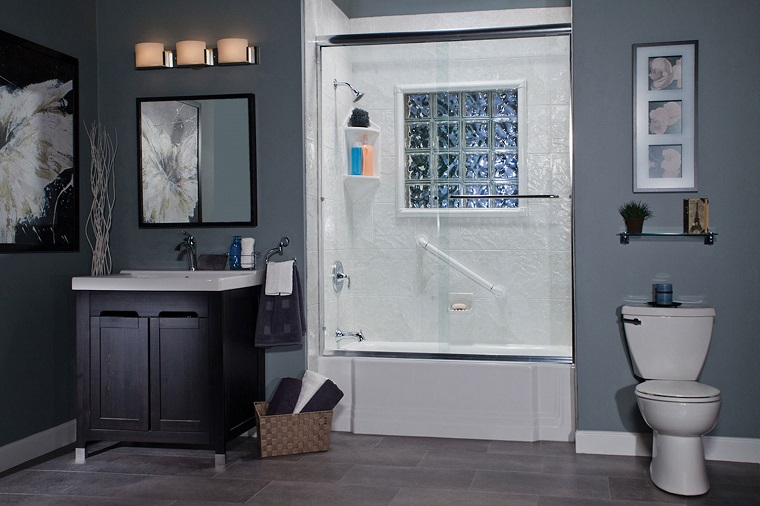 rivestimento-bagno-moderno-pittura-grigia