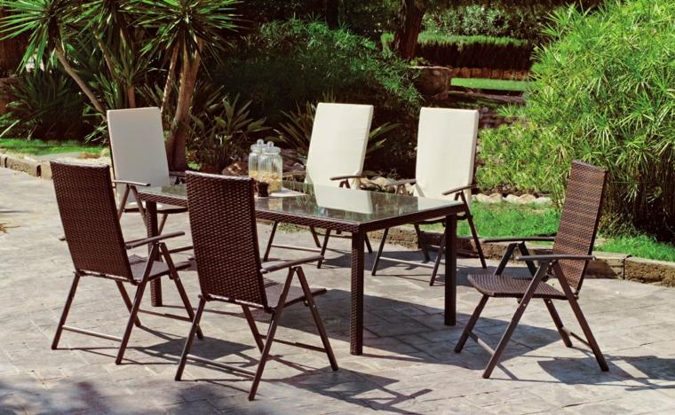 set tavolo da pranzo da esterno giardino con pavimento in cemento