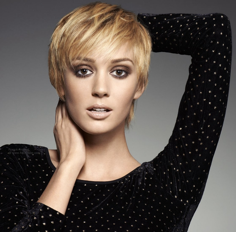 taglio-corto-capelli-soluzione-frangia