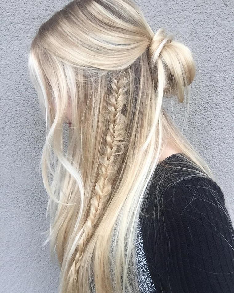 acconciatura-capelli-lunghi-treccia-lato