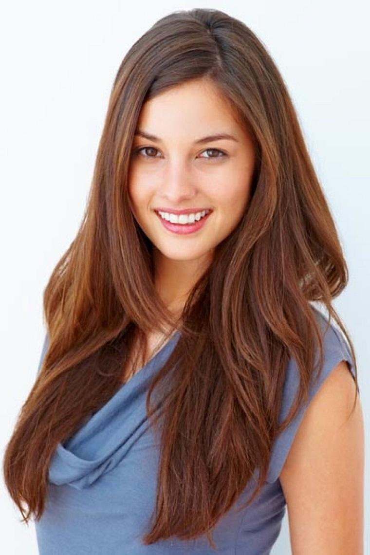 acconciature-capelli-lunghi-lisci