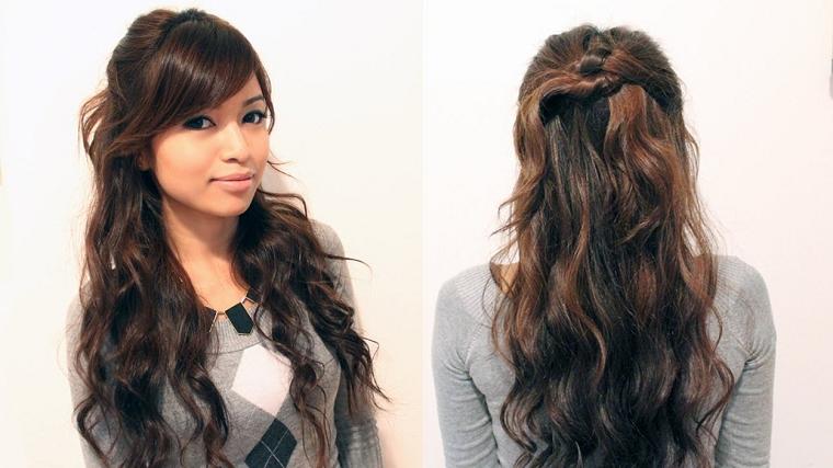 acconciature-per-capelli-lunghi-ondulati-frangia