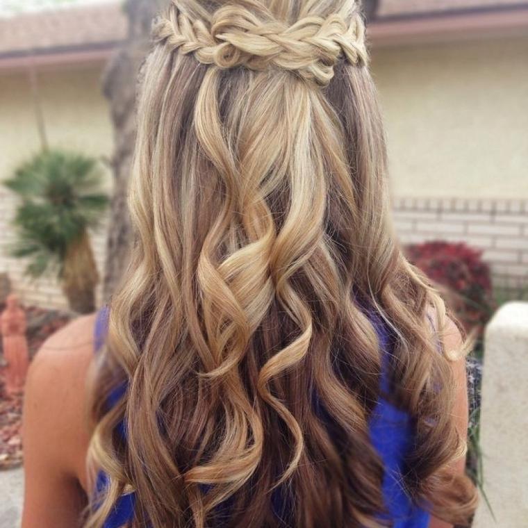acconciature-per-capelli-lunghi-semi-raccolto