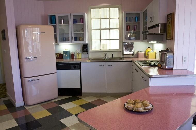 Mobili anni 60 la casa si veste di un affascinante look for Arredamento anni 50 60