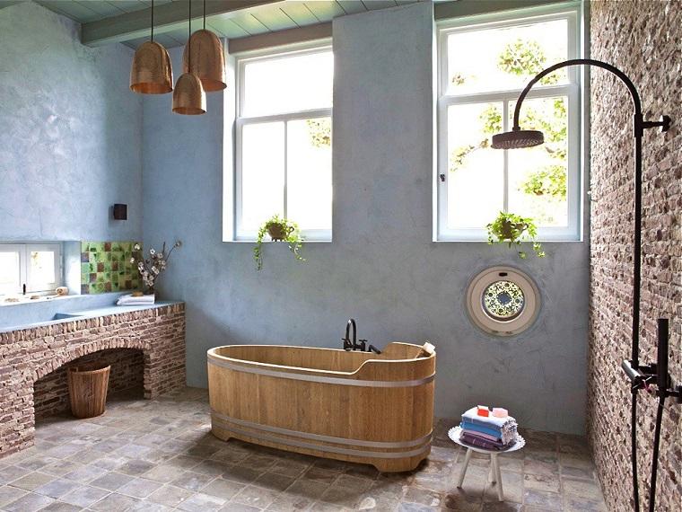 arredare-casa-idee-mobili-country-bagno-vasca-legno