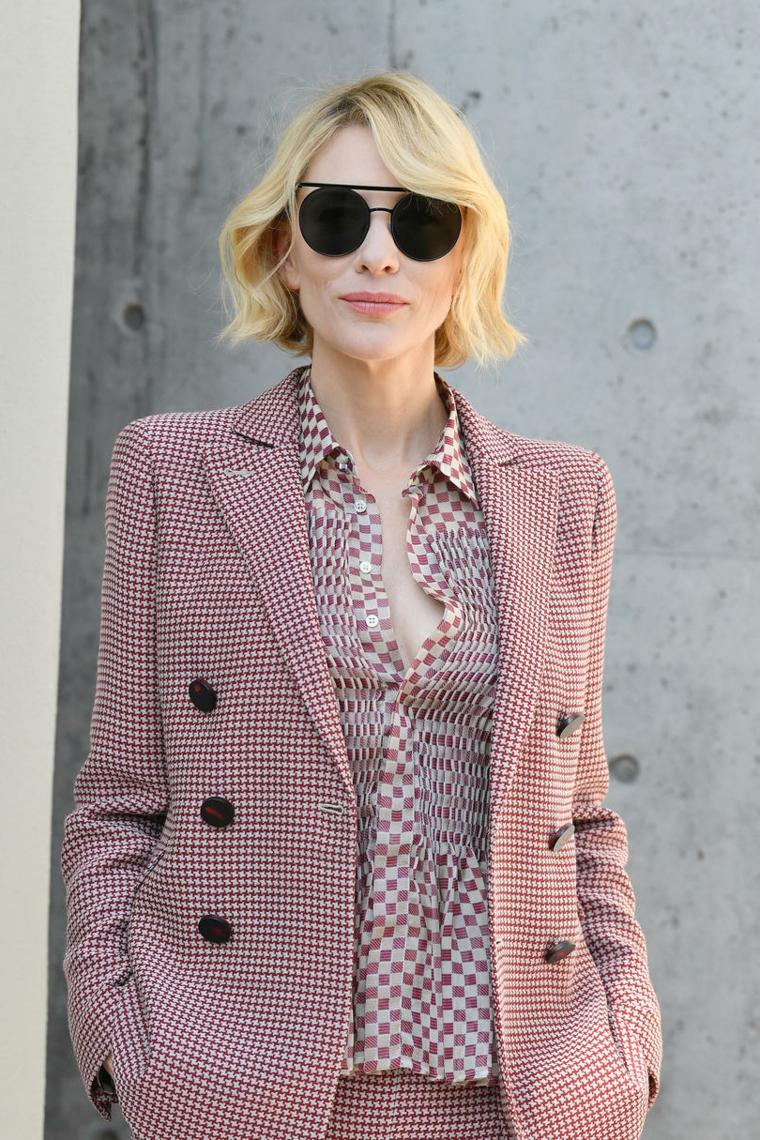 Capelli corti donna, Kate Blanchett con capelli biondi, abbigliamento donna elegante