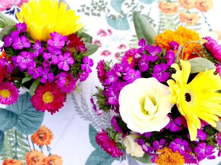 composizioni floreali-idea-colori-luminosi